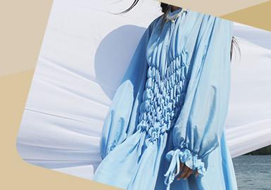Fancy Pleat -- The Craft Trend for Cotton-Linen Womenswear
