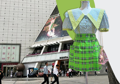 Brighten the Summer -- The Comprehensive Analysis of Korean Dongdaemun Market