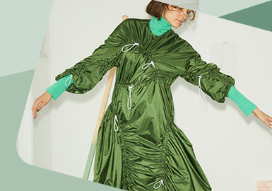 Not Flat Any More -- The Detail Craft Trend for Womenswear