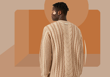 Crewneck Pullover -- The Item Trend for Men's Knitwear