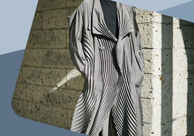 Artistic Pleat -- The Detail Craft Trend for Womenswear